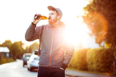 CZY ALKOHOLIZM MOŻNA WYLECZYĆ?